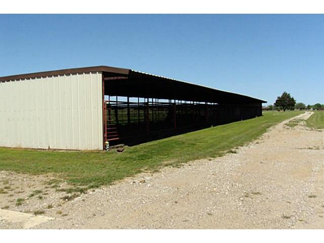 16 covered stalls that could be split as they are 12 x 24