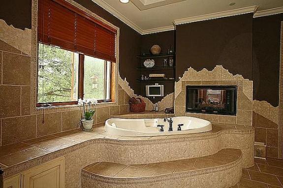 339 Town East Blvd. master bath