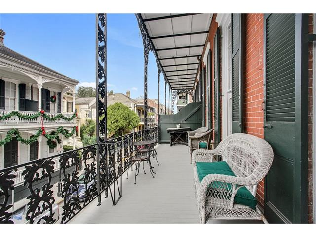 906 Royal NOLA balcony 1b