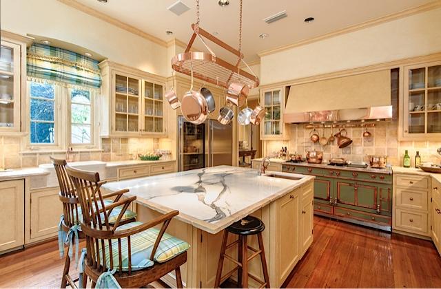 9434 Alva Ct kitchen