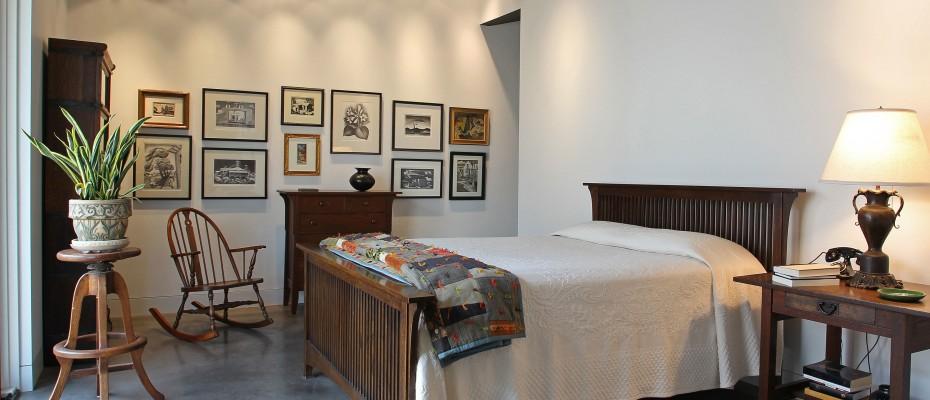 Albany-Graphic07-930x400.jpgRandy's bedroom