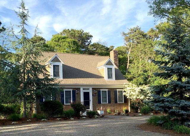 Cape Cod house L