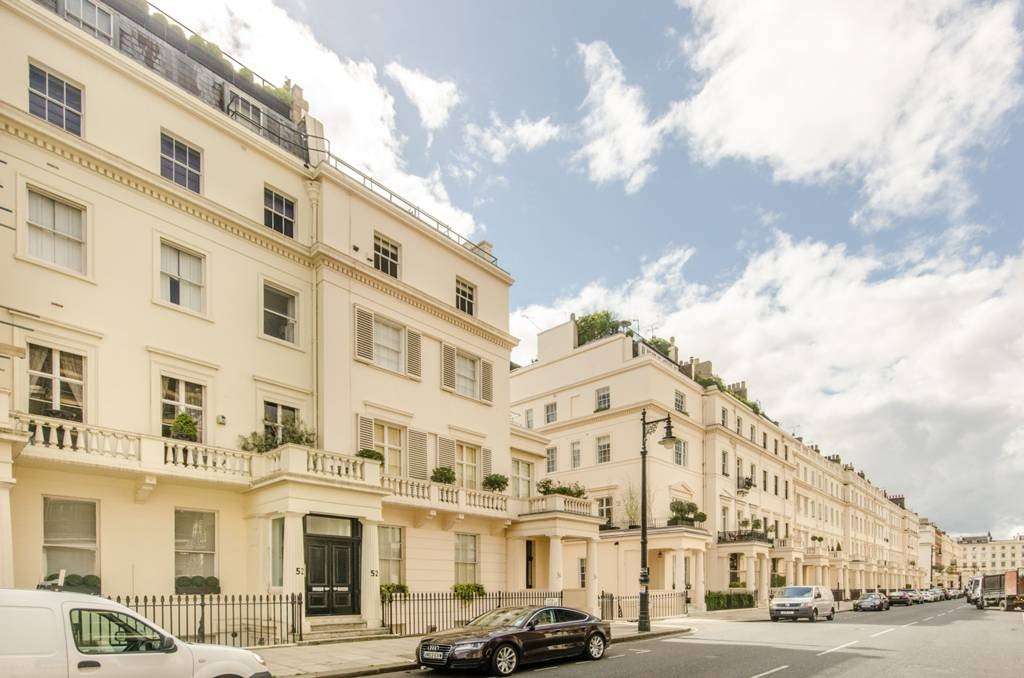 Eaton Place two-bedroom, 929 square feet for £550,000?? Seeming bargain BUT just 2-years remaining on lease.