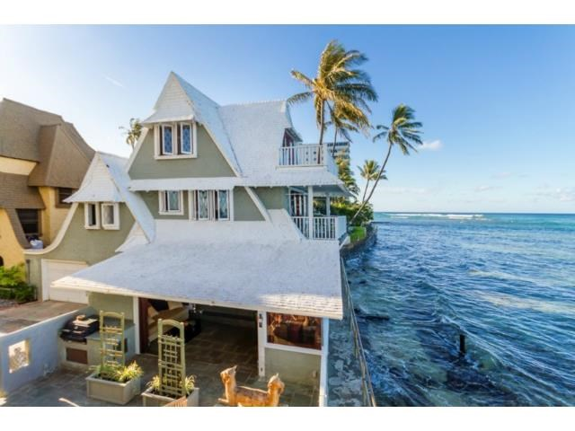 1,820 oceanfront square feet. A snip at $4.69m
