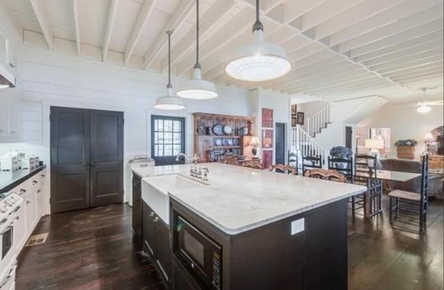 greenville-lakehouse-kitchen-4