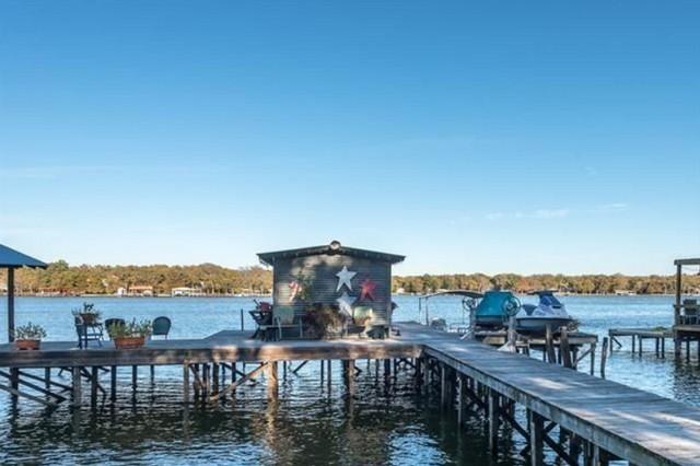 greenville-lakehouse-dock