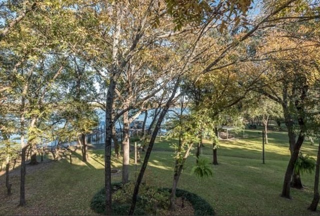 greenville-lakehouse-grounds-1