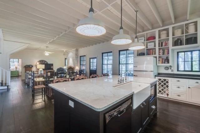 greenville-lakehouse-kitchen-5