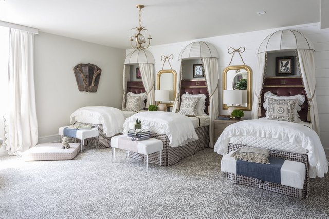 The Alice in Wonderland-themed bunkroom of the 2016 Hamptons Designer Showhouse in Sag Harbor, New York. Photos courtesy of Julie Dodson Interiors.