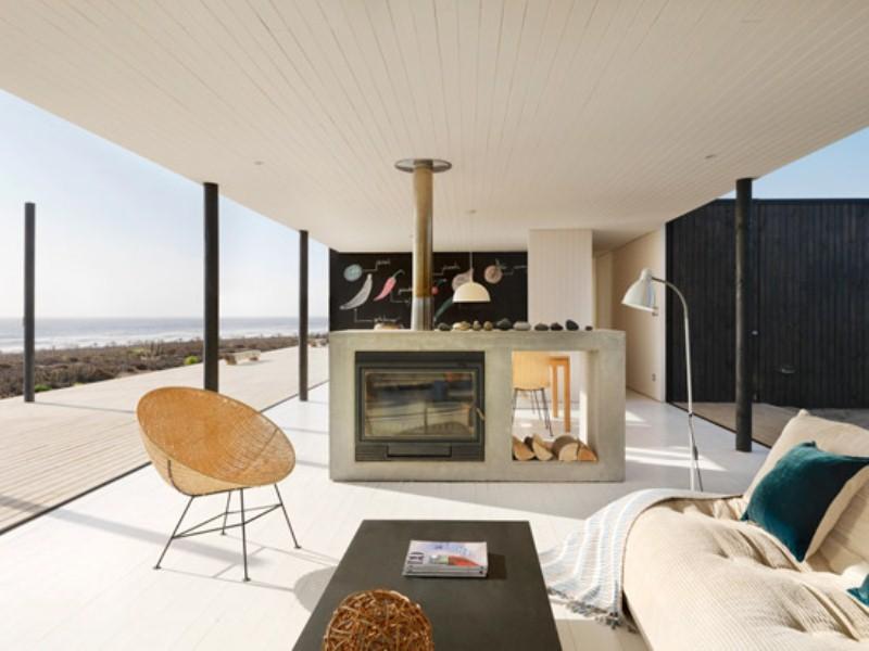 Minimalist Modern Beach House