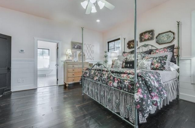 greenville-lakehouse-master-bed-2