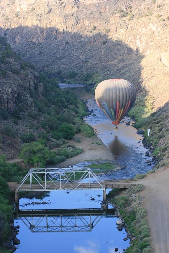 taos balloon