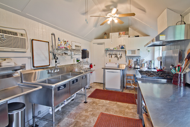 1444 County Road 1125, Daingerfield | Candy's Dirt.com