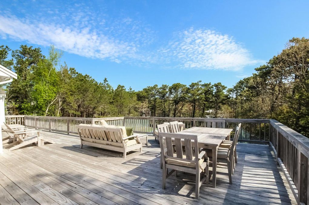Splurge vs. Steal: Two Gorgeous Cape Cod Houses in Chatham, Massachusetts